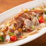 Sommelier Kitchen yuB yum - 魚介の美味しさを存分に!アクアパッツァ