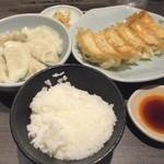 58321977 - 「焼餃子(1人前)水餃子(1人前)ライス」(560円)