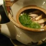 58325553 - 雉と松茸の土瓶蒸し