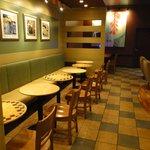 スターバックス・コーヒー - 二人掛けのテーブル
