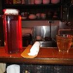 麗江 - お茶とおしぼり