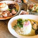 WAIWAI アジアのごはんやさん - 料理写真:ガパオプレートと、グリーンカレー