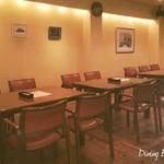 Dining Bar RR - 入り口近くのお席です。