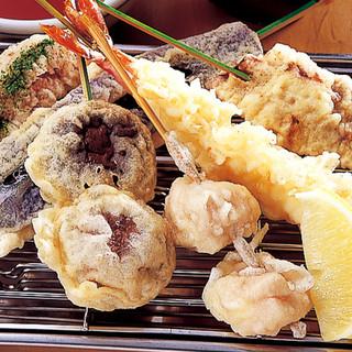 米粉100%で揚げるアツアツの揚げたて絶品天ぷら