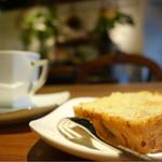 リアル ミー - バナナケーキとブレンドコーヒー