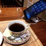 はじまりのカフェ - テーブルのiPad使えるみたい(^^)