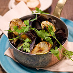 METoA Cafe & Kitchen - STEAMD MUSSELS
