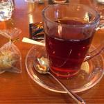 ジャンナッツ - お菓子は紅茶の日という事でサービス