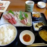 58348003 - お刺身定食¥1350                       食べかけです(^_^;