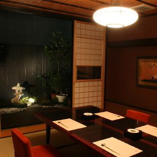 落ち着いた空間と、様々な用途で御利用頂ける個室をご用意