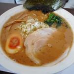 笑み - 豚骨醤油ラーメン 580円