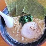 よしなり家 - 料理写真:ラーメン(醤油)