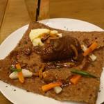 Grand Breton Cafe - 手ごねチーズインハンバーグ 濃厚キノコのデミグラスソース ガレット