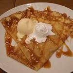 Grand Breton Cafe - 塩キャラメルクレープ