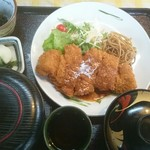 ヒロタ - 料理写真:とんかつ定食(税込み980円) ご飯は大盛(税込み1080円)