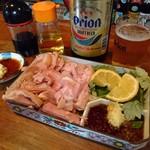 山羊料理二十番 - 山羊さしみとオリオンビール