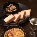 ワイン小路 Zawamon - 能登いかとんびアヒージョ&日本酒
