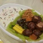 ケーキハウスsin - 「ミートボール弁当 (1200円)」のケーキ。 普通にお弁当に見えるのがすごい!
