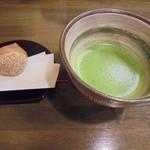 伊くま - お抹茶と和菓子