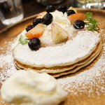ロゥ カフェ - フルーツパムケーキ(ビフォー