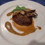 レストラン ラ・フェット - 牛フィレ肉のポアレ・マスタードソース