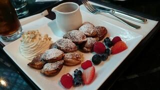ザ・リッツ・カールトン カフェ&デリ - オランダ風パンケーキ