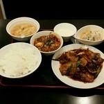 リトル成都 - 【ランチ】リアル回鍋肉定食:950円
