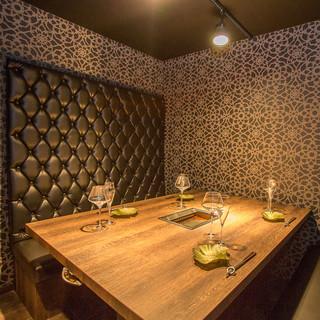 誕生日などの記念日や接待、会食に欠かせない個室を完備。