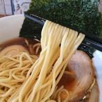 中華そば 閃 - このパツパツの麺が閃のスープに合います