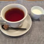 lili cafe,gift -