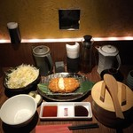 58376312 - 特別キムカツランチ膳980円、ご飯・味噌汁・キャベツ・香の物おかわり自由♪