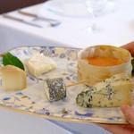 Bistro東進堂 - H28.9月 別料金のチーズ
