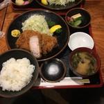 とんかつ稲 - 赤レンガ+定食=2052円