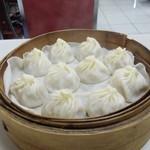 冠京華 - 料理写真:小籠湯包