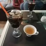 かたつもり KUCHE - アイスコーヒーとウェルカムハーブティー