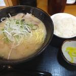 ひいらぎ - 濃厚らぁめんご飯セット(620円)+麺大盛り(110円)