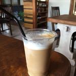 カフェ 百一 - ドリンク写真:カプチーノ (アイス)  450円