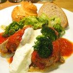 58400879 - ランチセット 1080円 の豚肩ロースのトマト煮とサワークリーム