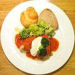 58400881 - ランチセット 1080円 の豚肩ロースのトマト煮とサワークリーム