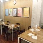 Pasta e Vino Kei - 店内(テーブル席2)/(2016年11月)