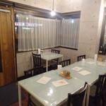 Pasta e Vino Kei - 店内(テーブル席1)/(2016年11月)