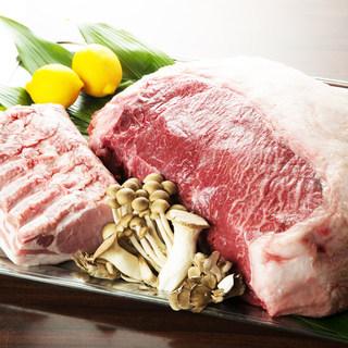 北海道や全国から直送食材を使った本格料理を楽しめます。
