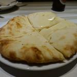 リトルインディア - チーズナン