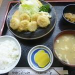 お食事処おさない - ホタテフライ定食1030円
