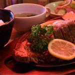 いなか屋 - お箸で食べるステーキセット