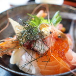 浜りょう - 料理写真:海鮮丼1680円