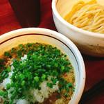 白ひげ - ノーマルのつけ麺に玉ねぎトッピング