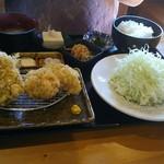 山田屋食堂 - アジフライ定食(逆から撮影)