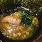 麺屋台 横綱家 - ラーメン(濃い目、油多め)
