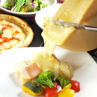 本場スイス直輸入♪大人気のラクレットチーズがコースで味わえる